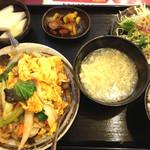 上海亭 - 豚肉と玉子炒め