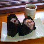 ハレむすび - 秋鮭¥160とあさり佃煮¥130