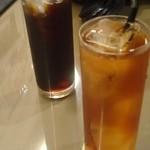 20009519 - コーヒーとアイスティー
