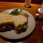 月光茶房 - ベーコン&チーズの焼きサンドイッチ
