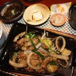 20011508 - アグー蓋定食 量を少なめにして注文☆