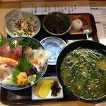 漁師料理 みき - みき丼 1400円