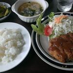 レストランギラム - 料理写真:メンチカツ定食