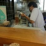 うどんの釜屋 - 独特な作り方