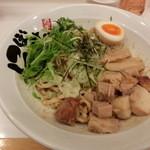 麺屋 にぼすけ - 料理写真:えび油そば(自家製麺使用)