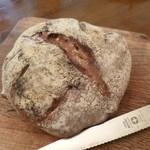 20023509 - 2013.07 クルミのパン、甘味があって美味しい♪
