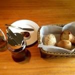 20026096 - パンと蜂蜜 kukai
