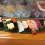 いそべ福寿司 - ランチにぎり750円