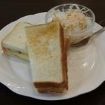 喫茶野田 - モーニング ハムオムレツのホットサンド550円