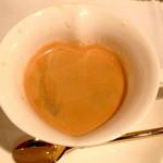 Ripaille - ダブルエスプレッソ...ハート型のカップが可愛いですね。