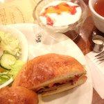 もん - ハンバーガーセット