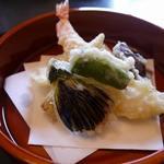 四季の味ちひろ - メインの天ぷらです