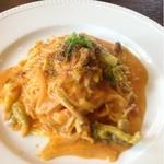 アグロドルチェ - ブロッコリーとカリフラワーのトマトソイクリーム