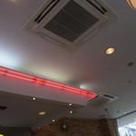 ムーンカフェ - 天井まできれい!2013年3月23日