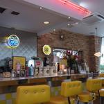 ムーンカフェ - 店内はとにかくきれい!2013年3月23日