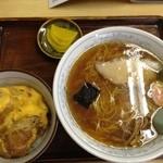 20035043 - 2013年7月。ミニカツ丼とラーメンセット900円。