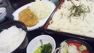 安曇野庵 地下鉄名駅店 - きしめんと味噌カツ付きです