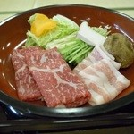 和多屋別荘 - 和牛と豚のしゃぶしゃぶ