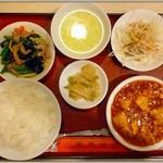 陳さんの盛興飯店 - 日替わりランチ 麻婆豆腐【750円】+ご飯大盛【無料】