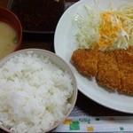 まんぷくキッチン - とんかつ定食380円