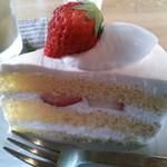 サオリスイーツ - イチゴのショートケーキ