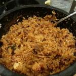 肉處 きっしゃん - サイドスープやコチュジャンを入れて混ぜ混ぜ~・・・自分好みに仕上がりました!!