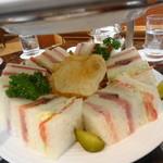 ラ・テラス - 2013年7月 3段目のサンドイッチ
