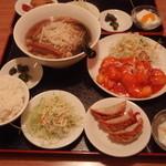 台湾料理 如意軒 - 料理写真:エビチリ定食980円とラーメン