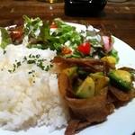 コンフォート - 豚肉&アボカドのバター醤油炒めプレート