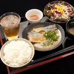 渋谷桜丘町 ろくよん - ランチ定食!毎日かわる日替わり定食あり!