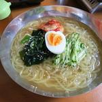 大衆肉料理 榎久 - <2013年7月>盛岡冷麺 840円