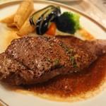 ザ・ホフブロウ - ビーフステーキ これはね、よかったですよ。にんにくがばっちりきいてます。