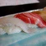 寿司万 - 平目とトロ