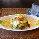 kukuru cafe - 島豆腐のベジタコライス(ドリンクセット¥1000)薄くスライスされた野菜の食感も楽しい