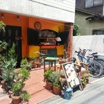 らららカレー - 住宅街に凝ったお店が。