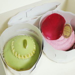 サロン・ド・テ ラデュレ - ケーキボックスの中の生菓子2点(2013年7月)