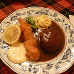 ホルン - 料理写真:ハンバーグステーキ