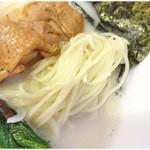 SOUL麺 - すべすべでにゅるーんと口に入ってくる麺です。
