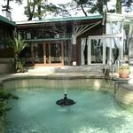 20073992 - 中庭の噴水?プール?(*^^*)