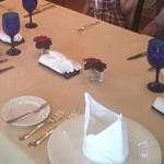 指帆亭 - テーブルセット