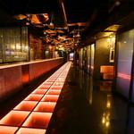 V2 TOKYO - 業界初!LEDフロアタイルを導入した通路☆パーティーの演出にも最適です。