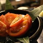 そば居酒屋 きさら - この時期に食べたくなる冷やしトマト!!¥400
