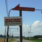 手作りパンカフェ・ピクニック - 道路横看板