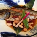 Sakanarobataumiza - 本日の仕入れ魚の豆煮(この日はさば)