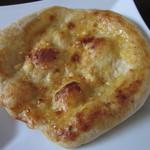 20084688 - スパイシーチーズパン 210円