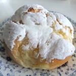 ルパ - 牛乳風味のカスタードパン