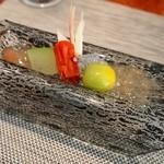 福島 もう利 - 野菜のメイン料理(トマトのワイン煮、ドライトマト、トマトジュレ、バジルシード、冬瓜、山芋)