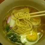 めしる - ラーメン(麺はこんな感じ)