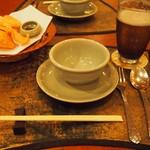 20097402 - テーブルセット.jpg