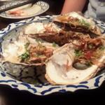まんごや - 生牡蠣のスパイシーサラダ